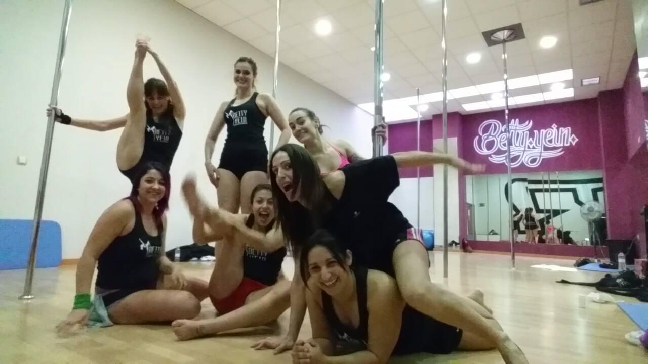 Nos encanta Pole Training B.Y.